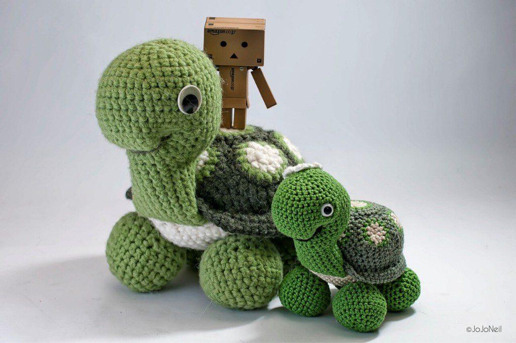 Mum Turtle by JoJoNeil