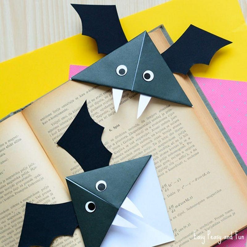 Fast to do DIY Bat Corner Bookmarks