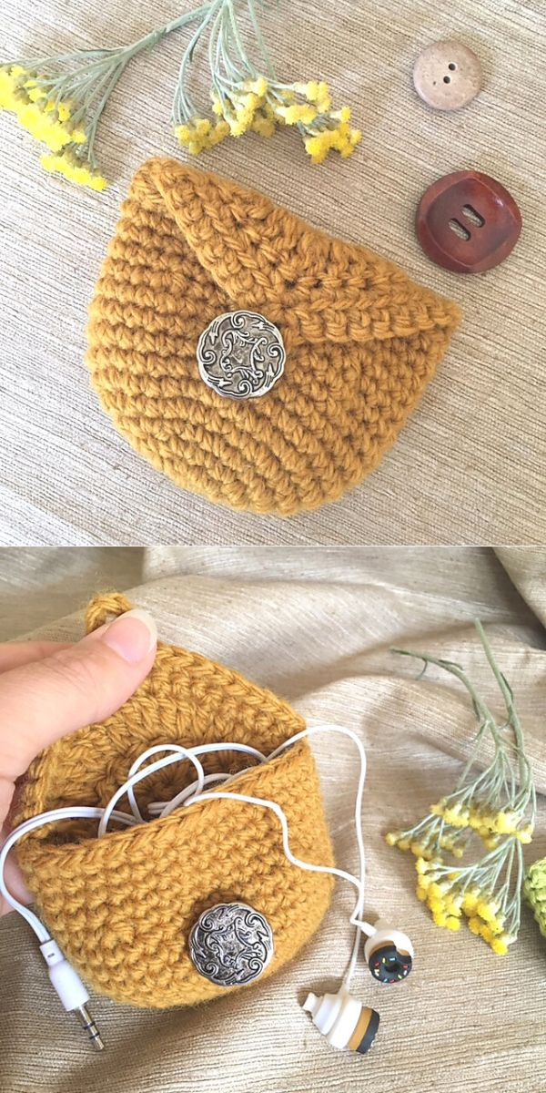 Coin Purse with Button