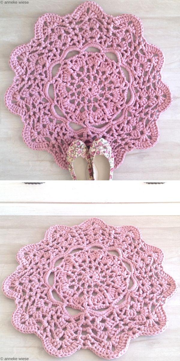 Lacy Doily T-shirt Yarn Rug Free Crochet Pattern